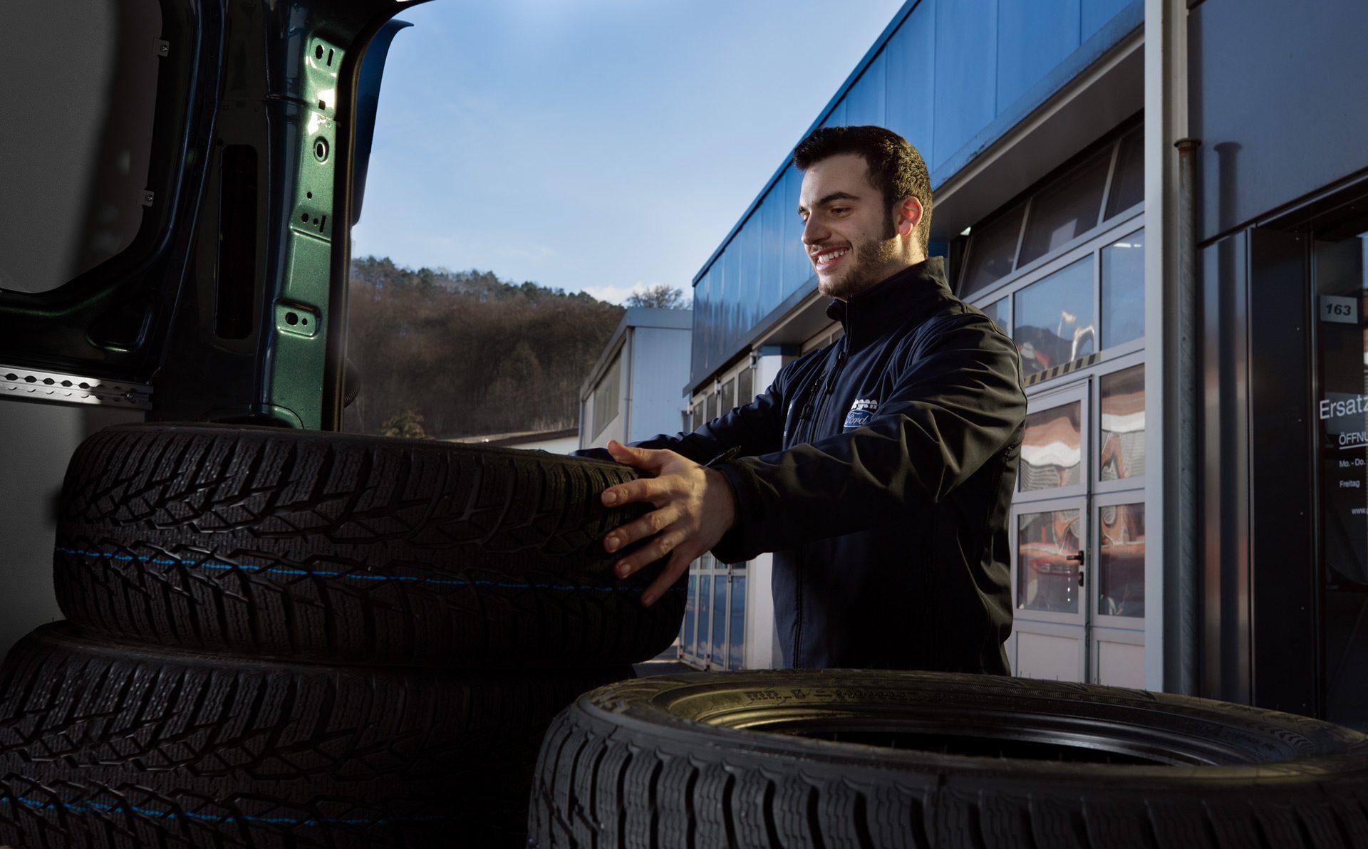 Ersatzteile und Reifenwechsel